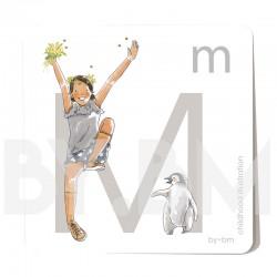 Carte abécédaire carré de 8x8cm , lettre M illustrée par de dessins originaux, petite fille, animal et végétal
