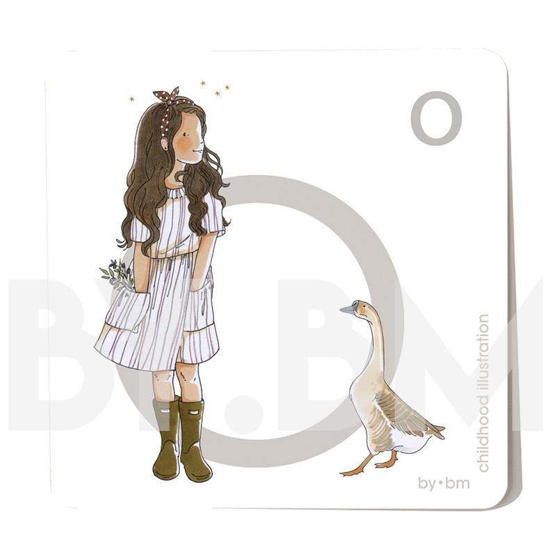 Carte abécédaire carré de 8x8cm , lettre O illustrée par de dessins originaux, petite fille, animal et végétal