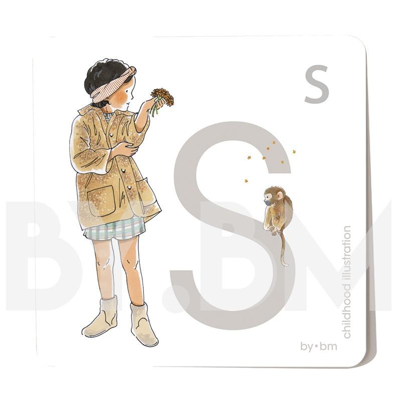 Carte abécédaire carré de 8x8cm , lettre S illustrée par de dessins originaux, petite fille, animal et végétal